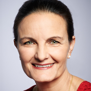 Dr. Martine Jus